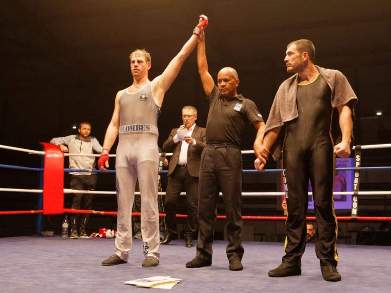 Charles vainqueur combat